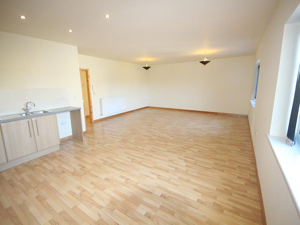 2 bedroom apartment For Sale in Colne - IMG_1364.jpg